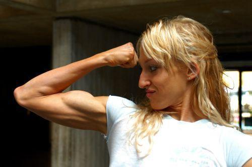 Kelly Lynn Nauyokas Muscles