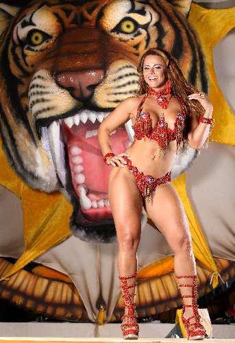 Viviane Araujo Muscles