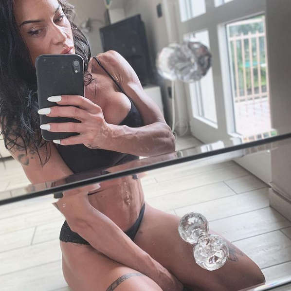 Annalisa Cuneo Muscles