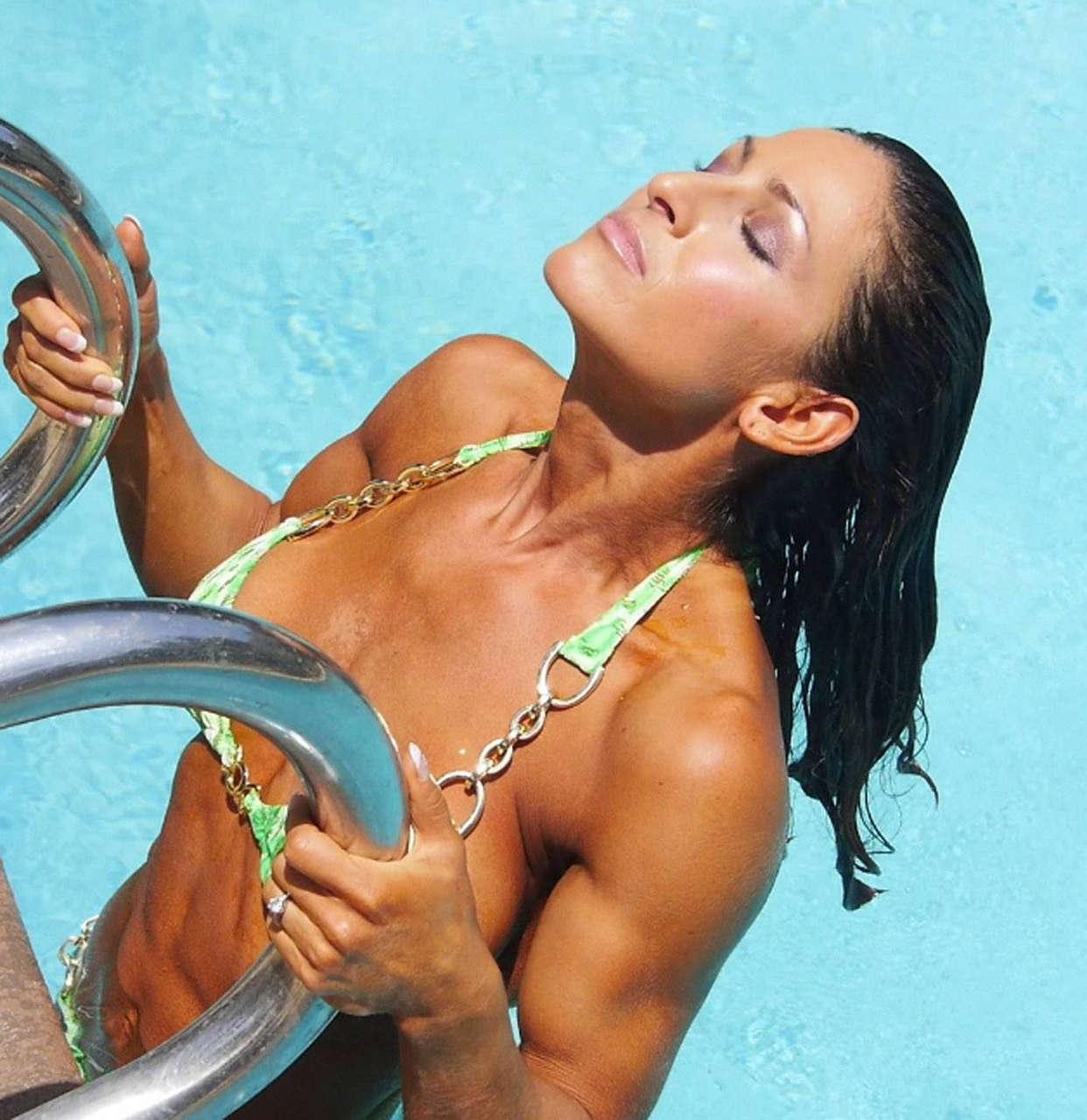 Kimberly Zachry Muscles