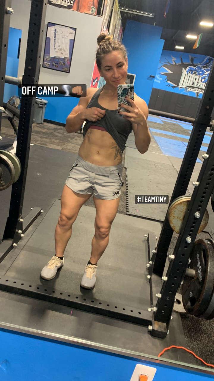 Tecia Torres Muscles