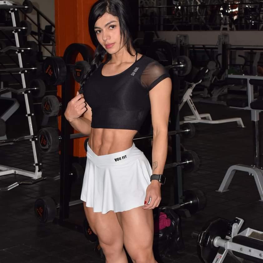 Yineth Medina Muscles